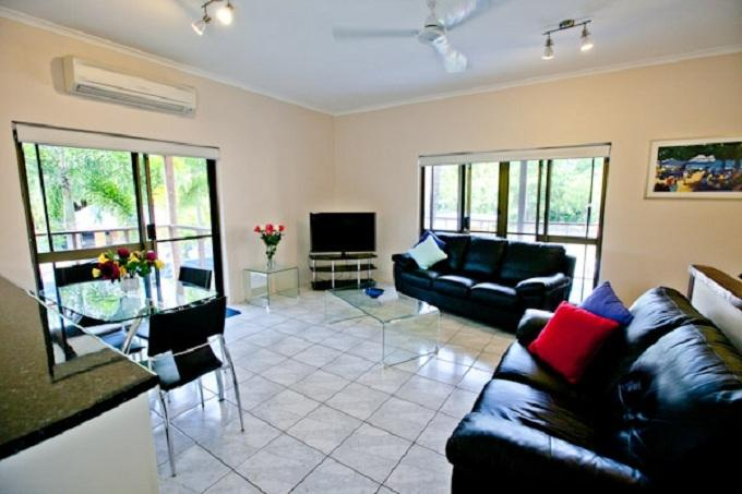 Townhouse No 6, Marlin Tce on Mudlo, vacation rental in Port Douglas