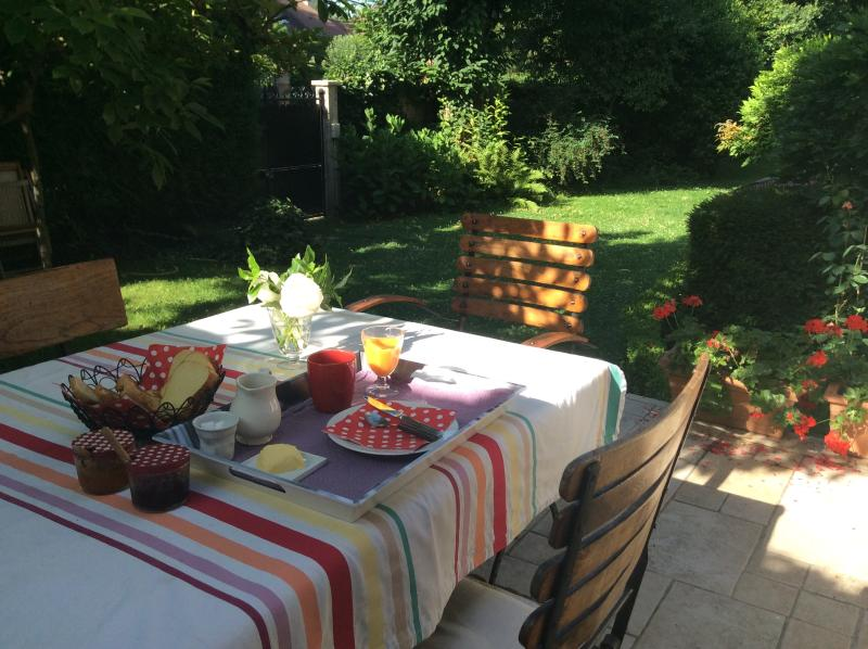 LES BOUVREUILS, vacation rental in Chatou