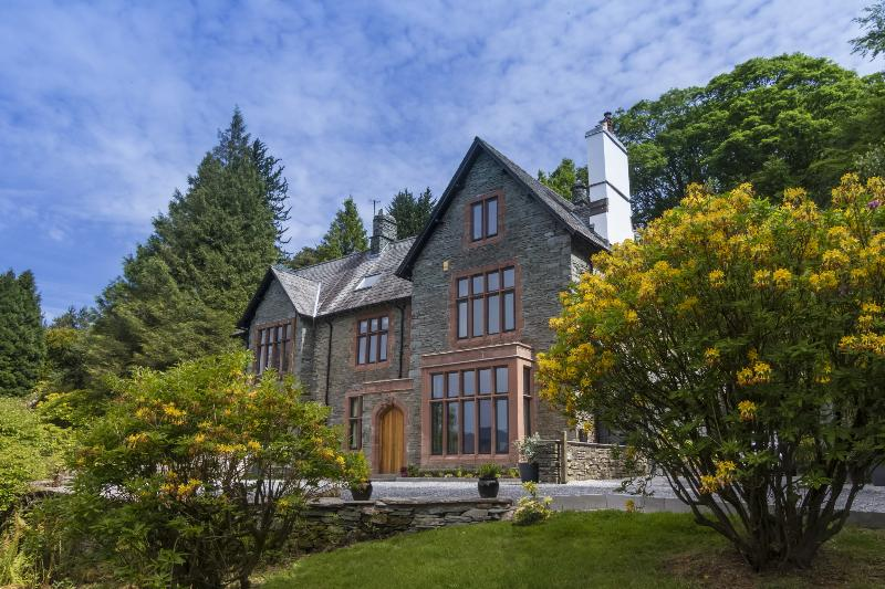 New - Brunt House '5 Star Gold' Holiday Home, holiday rental in Elterwater