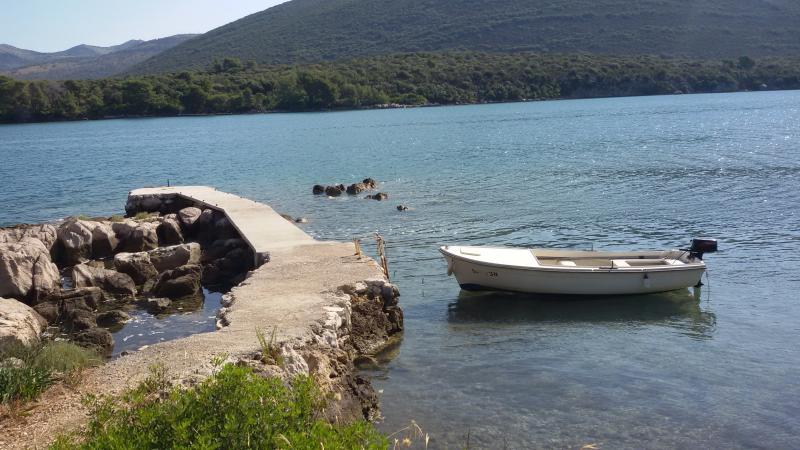 barco para alugar e cais privado