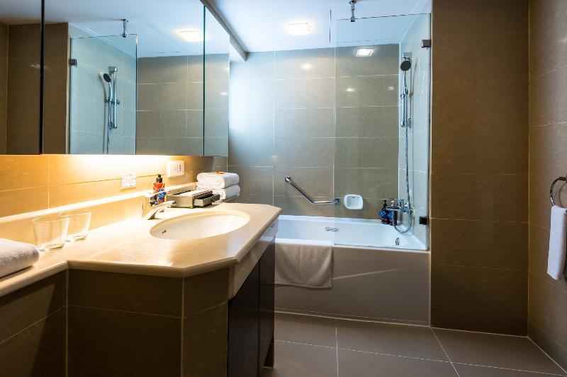 Spacious City 1-BR Sukhumvit 2 Nana, vacation rental in Bangkok