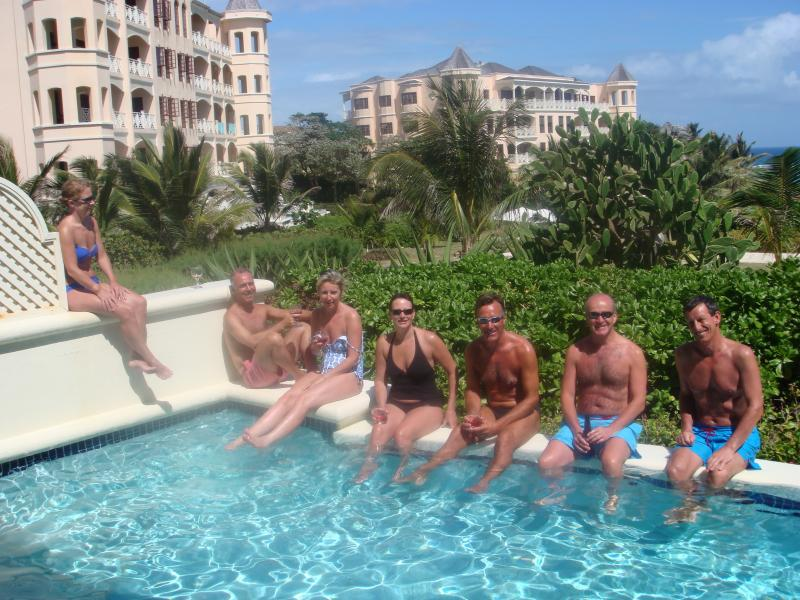Crane Beach One Bed Apartment with private pool, vacation rental in Six Cross Roads