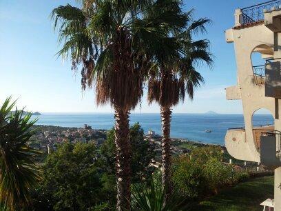 Villa Vittoria-vista mozzafiato sulle Isole Eolie, vacation rental in Ficarra