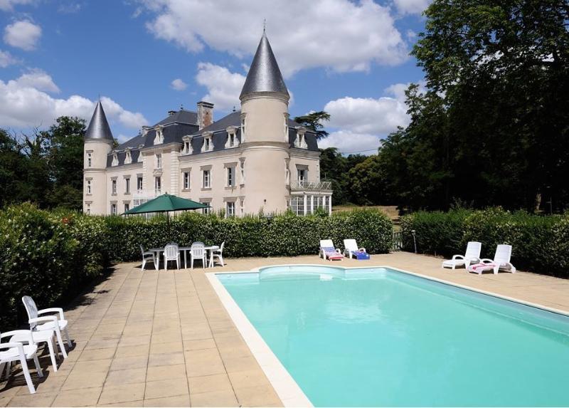 Chateau de Bois Giraud, location de vacances à Maine et Loire