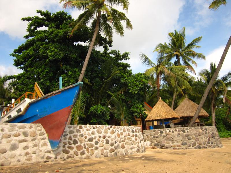 Beach Front House Boat, holiday rental in East Nusa Tenggara