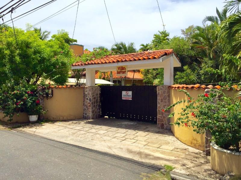 Villas Aufant Entrance