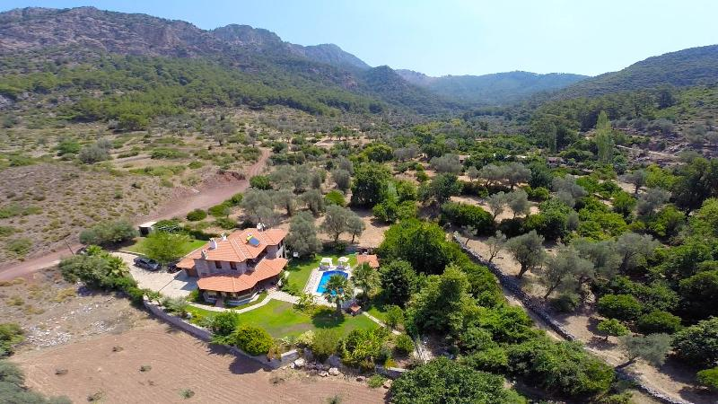 Luxury Villa Nurtan - Sleeps 7, vacation rental in Marmaris District