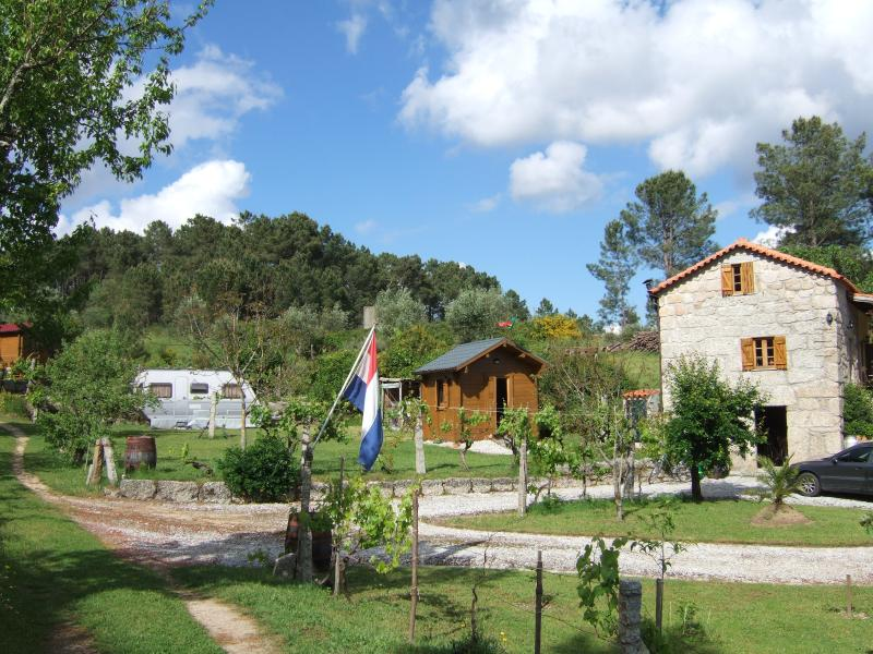 Casa das Linhas B & B CHALET met Privacy, location de vacances à Nelas