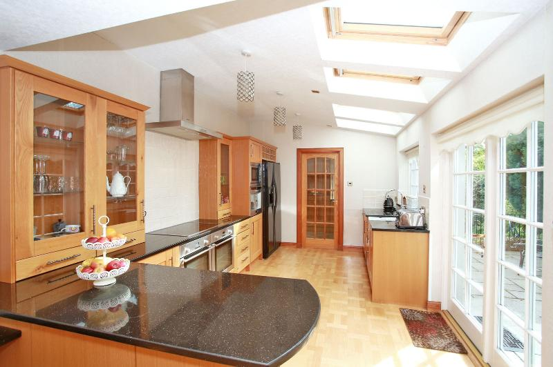 Forest Avenue - Luxury Serviced House, Ferienwohnung in Aberdeen