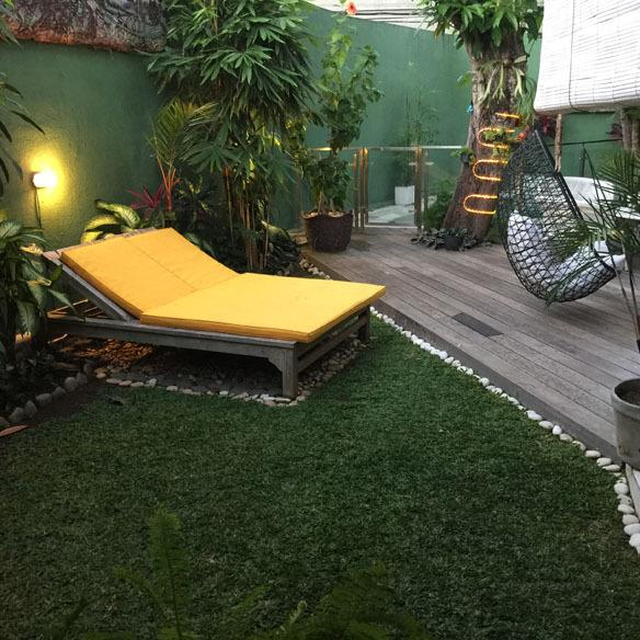 The day bed receives plenty of sunlight during the day and its a great place to watch the stars