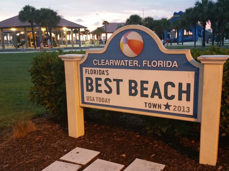 Clearwater Beach ligger bara 3 miles away.