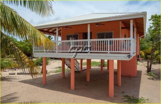 Beach Front, Casita del Mar, Hopkins Belize, vakantiewoning in Stann Creek