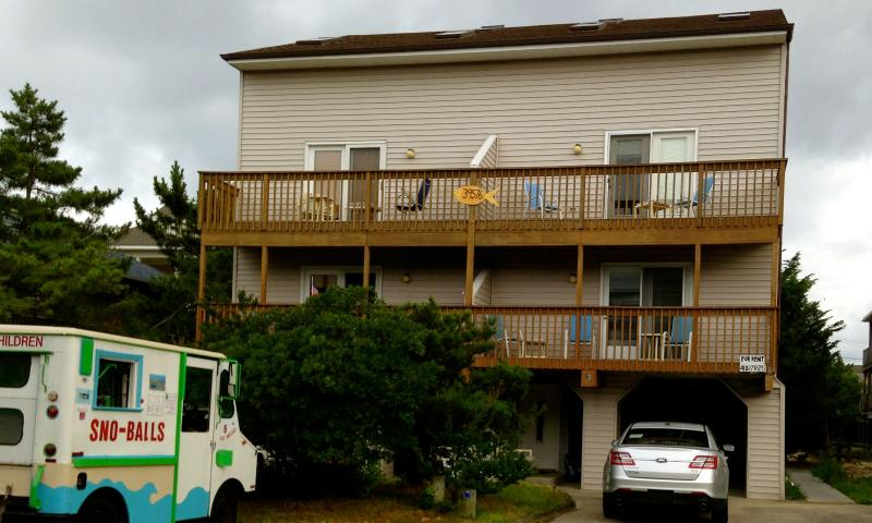 The front of the duplex. Rental is on the right. Steps away from Matts Fish Camp!
