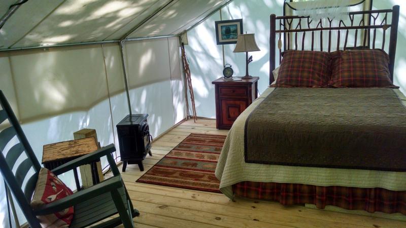 Roan Creek Campground, alquiler vacacional en Mountain City