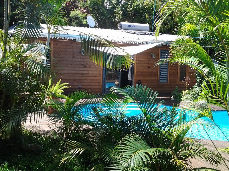 Liane de Jade 974 - Lodge 'LE PALISSANDRE', location de vacances à Bois de Nefles