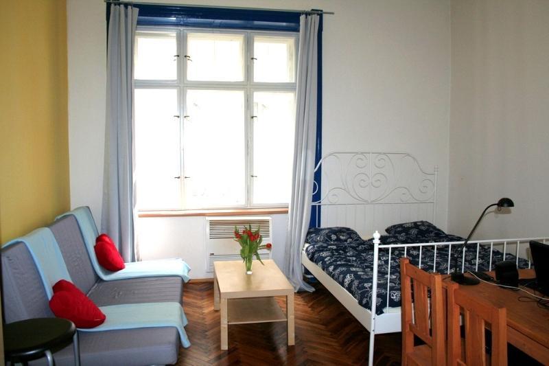 Prague center quiet apartment, vacation rental in Prague