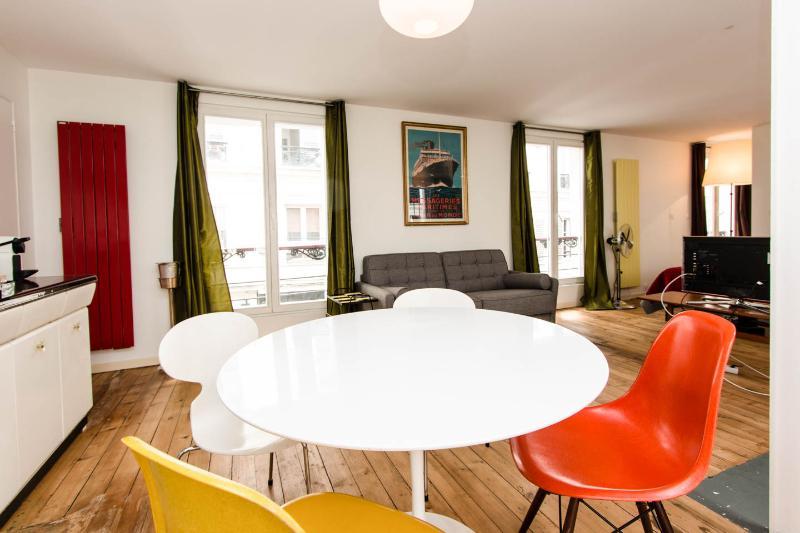 Un appart-loft au coeur du Marais, holiday rental in Saint-Denis