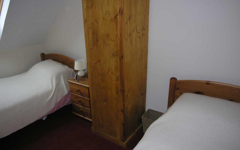 Twin bedrooms.