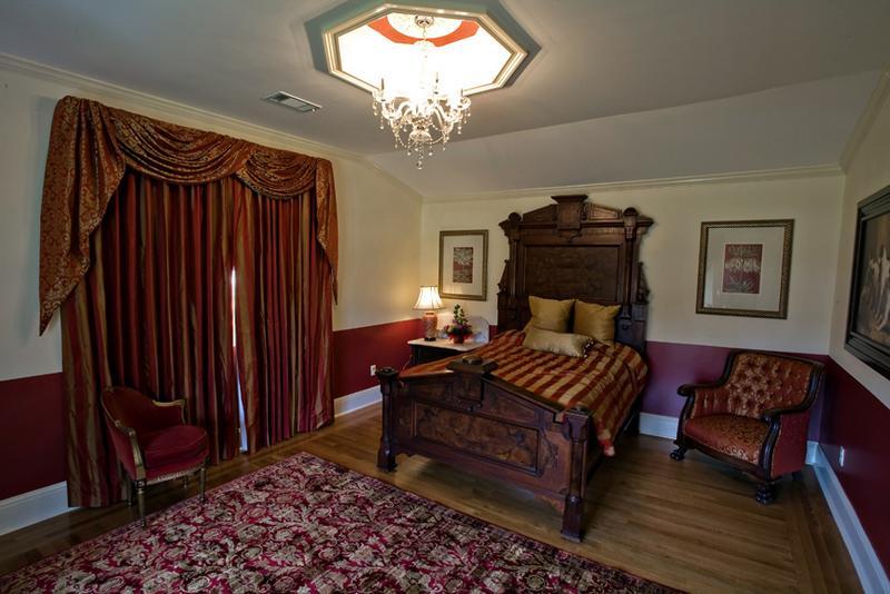 Oak Crest Mansion Inn, holiday rental in Pass Christian