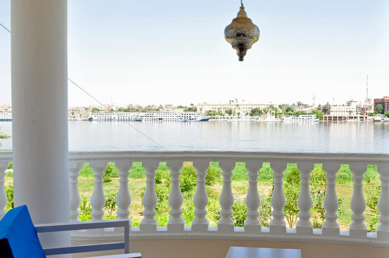 #5 Nile view apartment, holiday rental in Luxor
