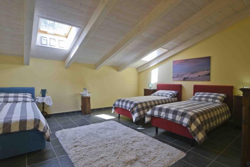 Casa Nalin appartamento 'Ballo a palchetto', vacation rental in Verduno