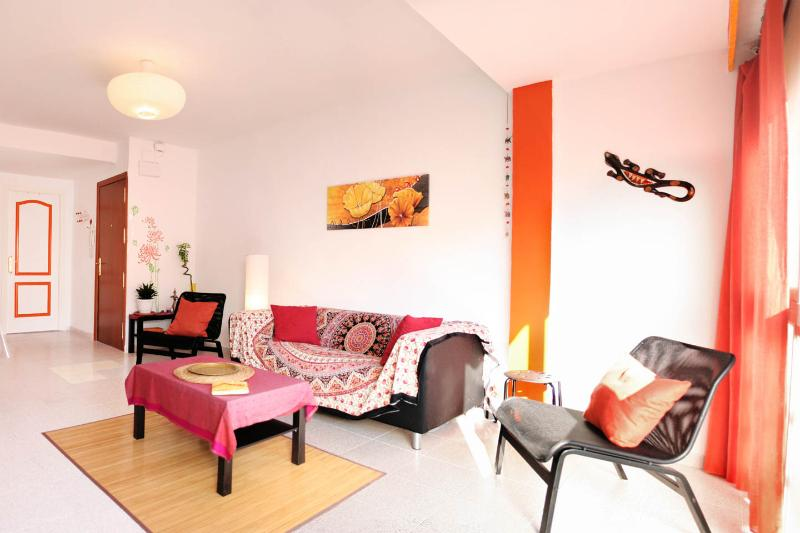 all brand new (2015) very bright and colourful flat, 450m away from the beach