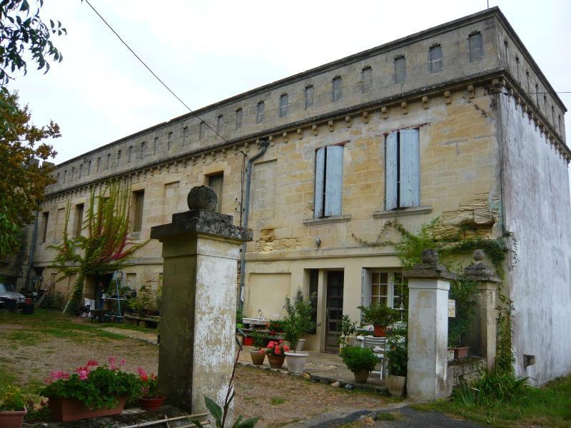 Favoloso loft (con ulteriori stanze se necessario) in un antico castello circondato da frutteti biologici