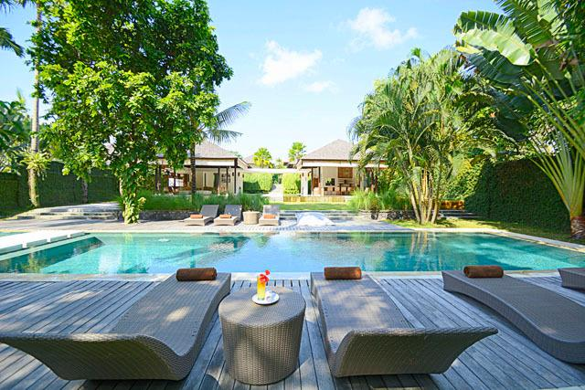 Villa Bengawan | 5 bdrm | Luxury villa near beach, location de vacances à Canggu
