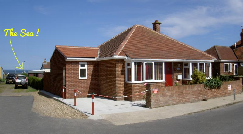 Seafront Bungalow - Newly refurbished  holiday cottage.