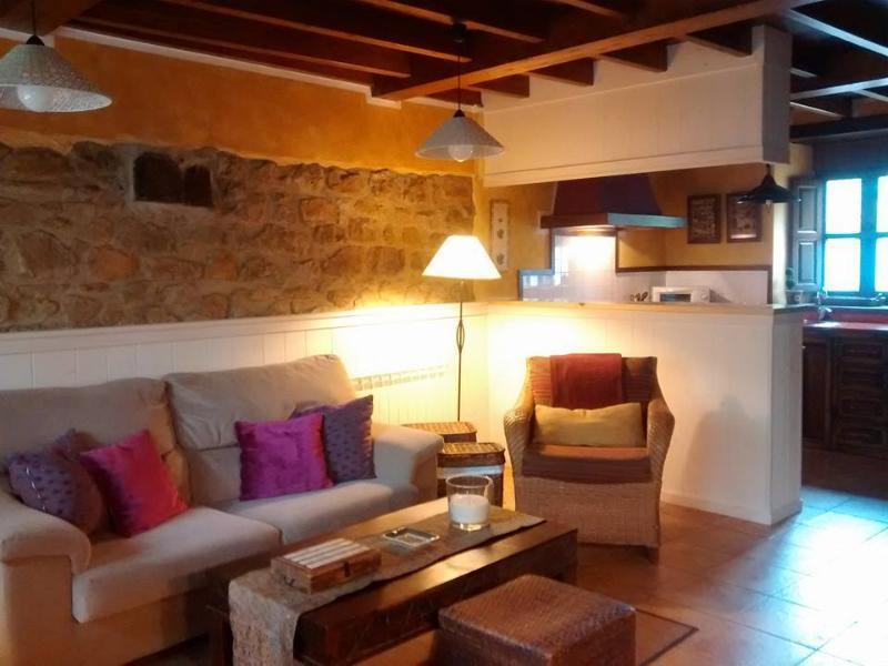 Casa Marciano, al lado de la montaña y  del mar, holiday rental in San Julian