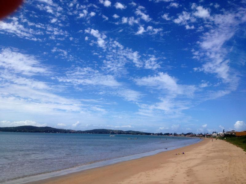 A 200m da Praia da Baía Formosa.