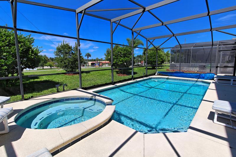 Pool,Water,Resort,Swimming Pool