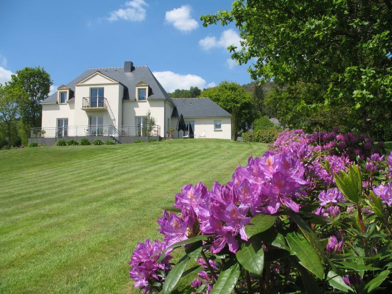 Villa côté sud avec immense terrain