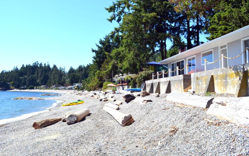 Beachfront house in Sechelt, holiday rental in Sechelt