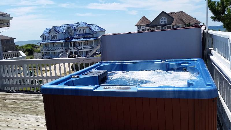 Hot Tub on the Upper Deck