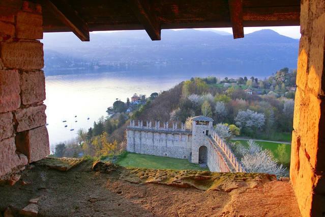 Lago Maggiore dalla Rocca di Angera