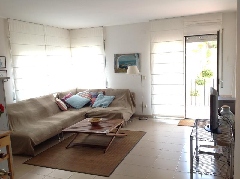 APARTAMENTO CALELLA DE PALAFRUGELL. 200m playa, vacation rental in Calella de Palafrugell