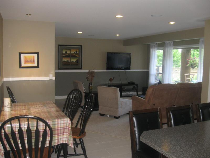 Kitchen Island ,Table and Spacious Living Area