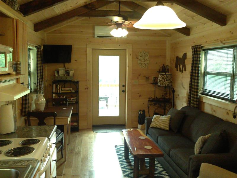 Green Creek Cabins 3 Has Central Heating And Air