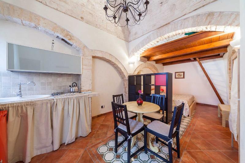 Suite San Pietro Noci Zona Alberobello, vacation rental in Noci