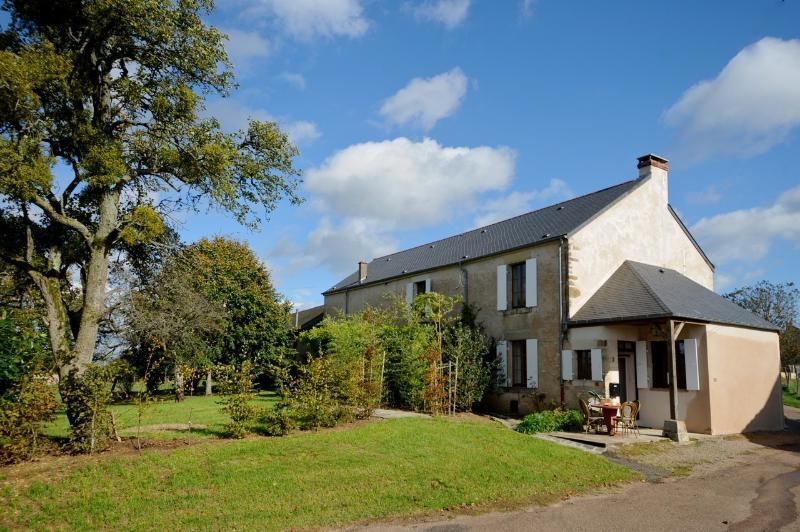 Gîte Le Cochon Volant, Nièvre, Burgundy, France, location de vacances à Varzy