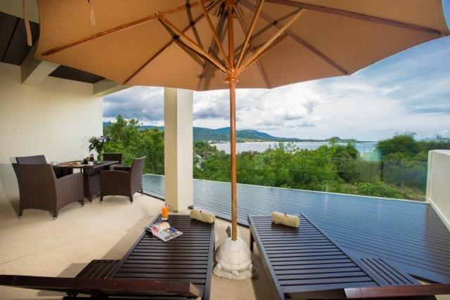 Stunning Contemporary Sea View Apartment, holiday rental in Surat Thani