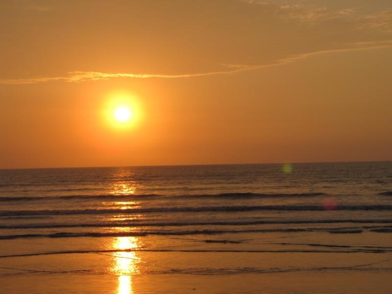 Pôr do sol da nossa varanda sobre o aquecimento do Oceano Pacífico.
