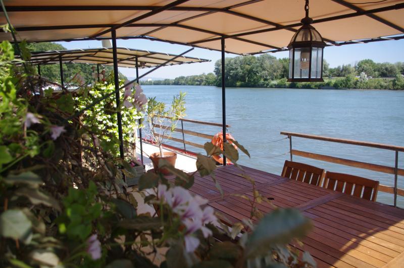 Terrasse-Ecke-Mittagessen