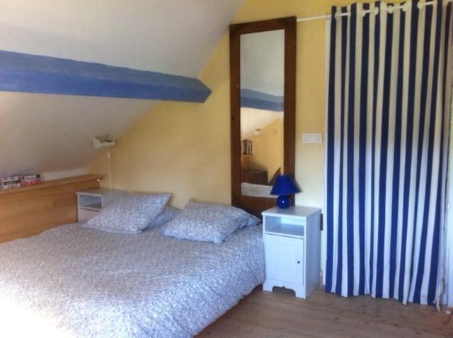 La chambre du 1ier étage avec le lit de 160 (il y a en plus 1 lit de 90 et 1 lit de bébé.