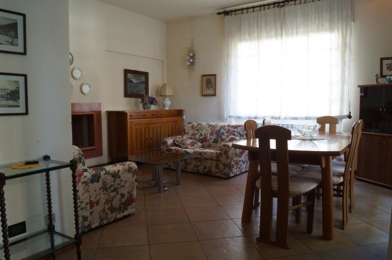 Appartamento Versilia, holiday rental in Lido Di Camaiore