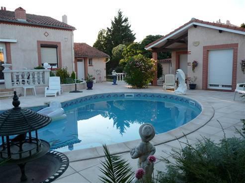 Belle petite maison tout équipée grand confort, holiday rental in Villeneuve-Tolosane
