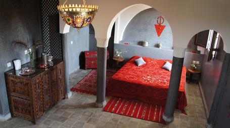 Suite Khadija Riad Jardin des Orangers, vacation rental in Ait Iaaza