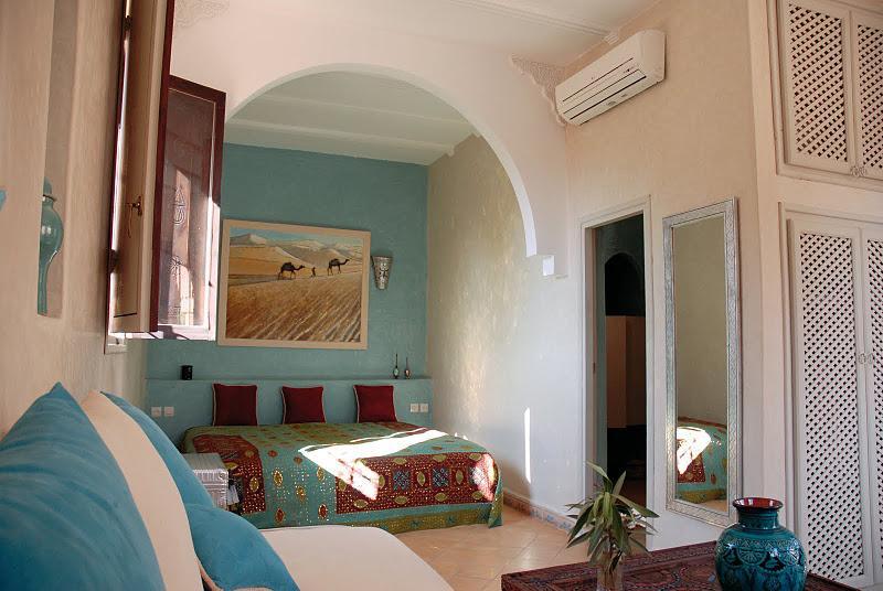 Chambre DeLuxe Kenza Riad Jardin des Orangers, vacation rental in Ait Iaaza