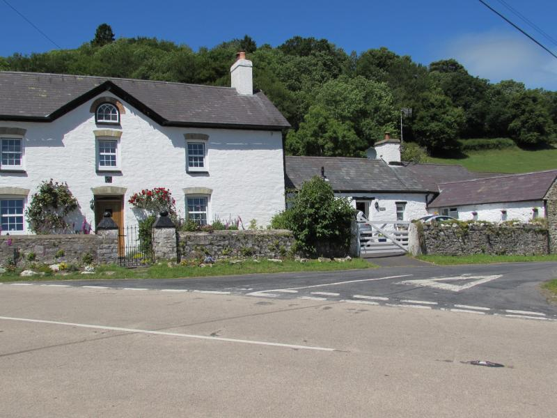 Visit Gorrig Cottage attached to the historic Grade II listed Gorrig Farmhouse